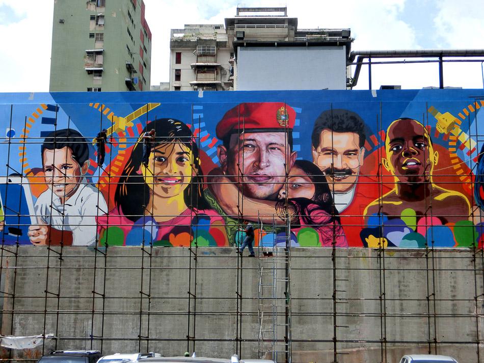 Chávez lives. Puente Llaguno, Caracas. 2015. Comando Creativo