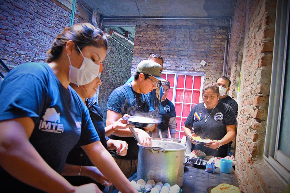 Community kitchens combat hunger in poor areas. Villa Celina, Buenos Aires Province, Argentina, 2020. Nazareno Roviello / Union of Workers of the Popular Economy (UTEP)